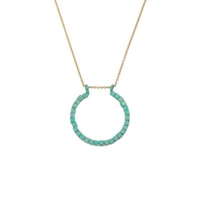 f19b1d689b8e3 Collier pendentif avec perles carrées Collier pendentif avec perles carrées  OLIVER BONAS