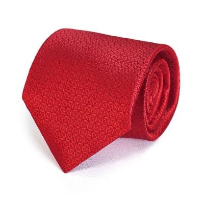 46e41b9f6739b Cravate RELIEF Rouge DandyTouch - Fabriqué en europe Cravate RELIEF Rouge  DandyTouch - Fabriqué en europe