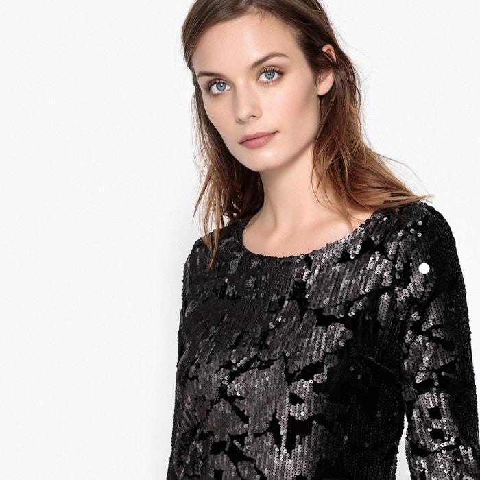 Платье облегающее с блестками и глубоким вырезом сзади