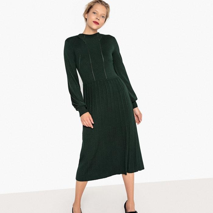 Платье-миди из трикотажа, плиссированная юбка, ажурная вставка