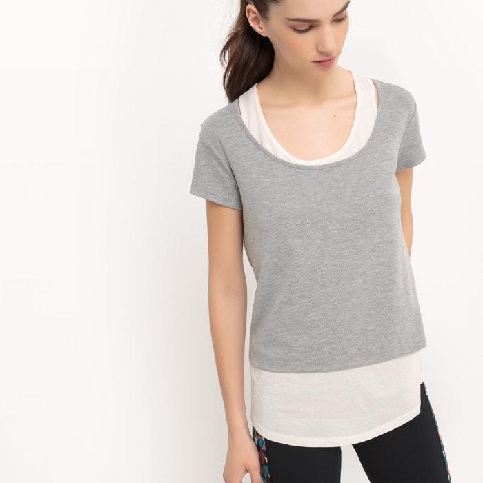 Image T-shirt superposition avec débardeur R essentiel