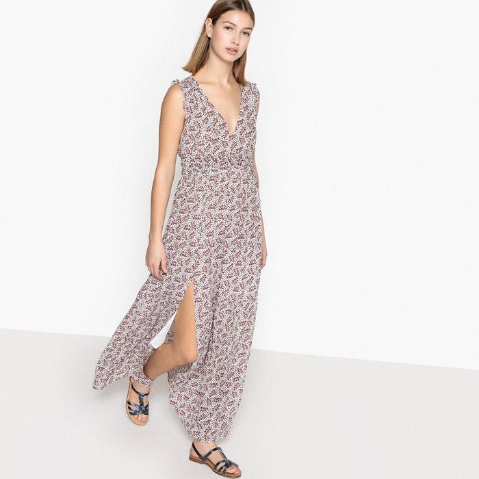 Платье удлинённое, расклешённое без рукавов