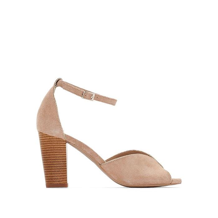 Sandales cuir talon haut détail métal