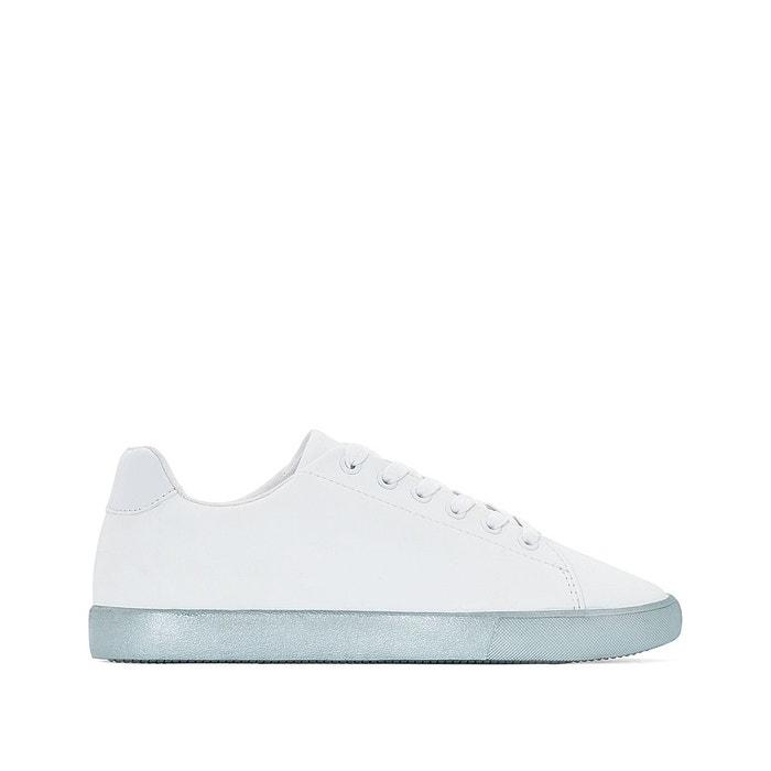 Basket bleue à grosse semelle blanche 2A238