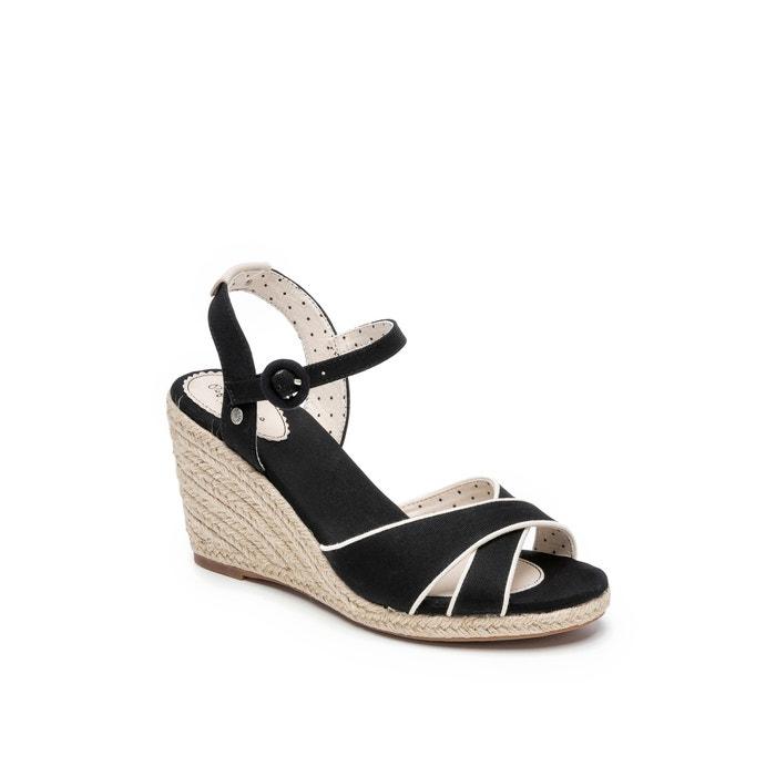 c1135b3fa70 Shark High Heeled Sandals