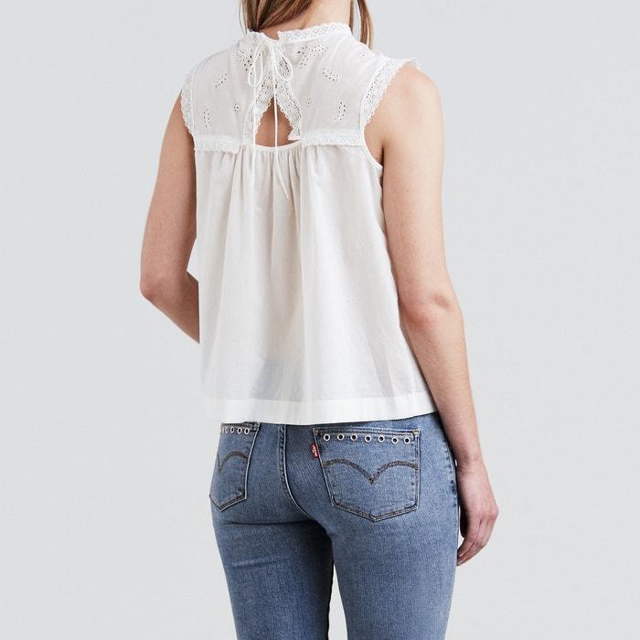Blusa com plastrão em renda e bordado 55b86521056