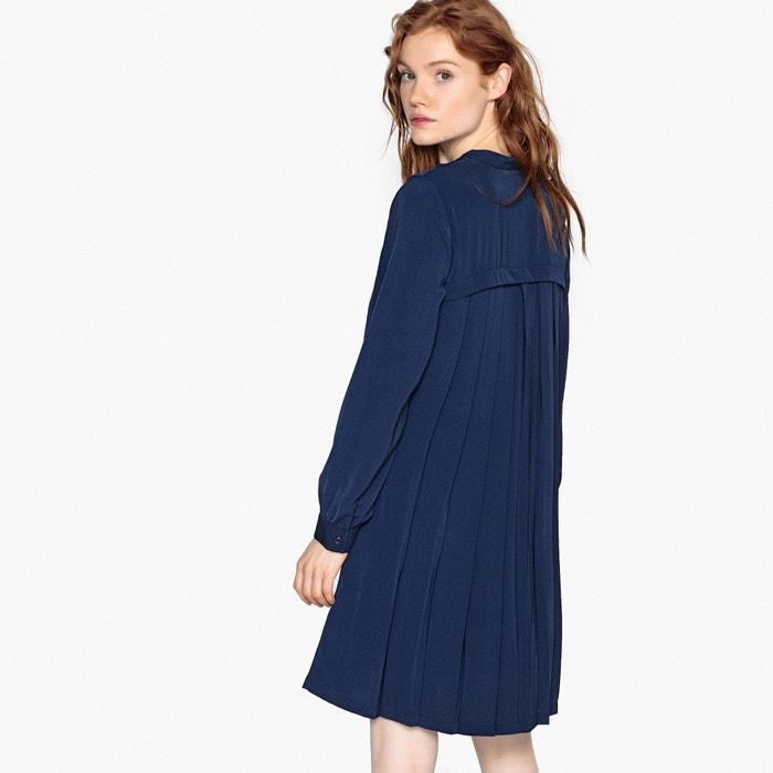 Платье-миди прямое с длинными рукавами