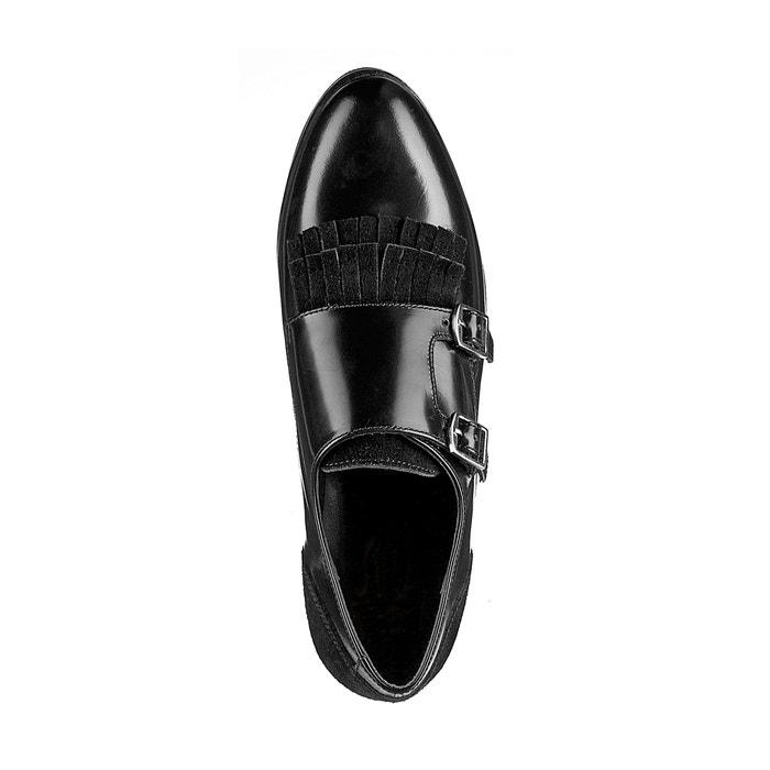 Sapatos derbies em pele, detalhe fivelas