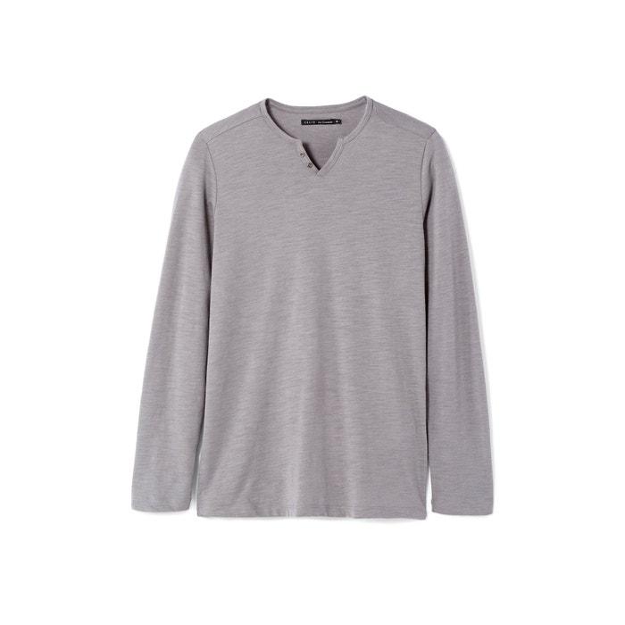 Imagen de Camiseta con cuello de pico CELIO