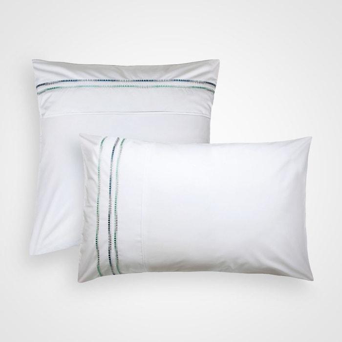 d4035ac10f854c Taie d oreiller brodée en percale de coton Blanc Cerise   La Redoute