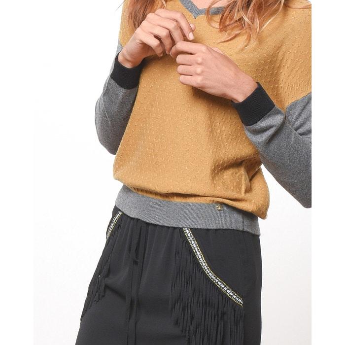 Пуловер с v образным вырезом доставка