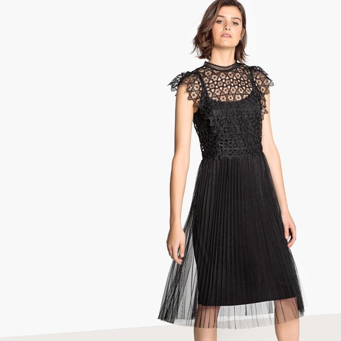 Платье расклешенное 3/4 без рукавов