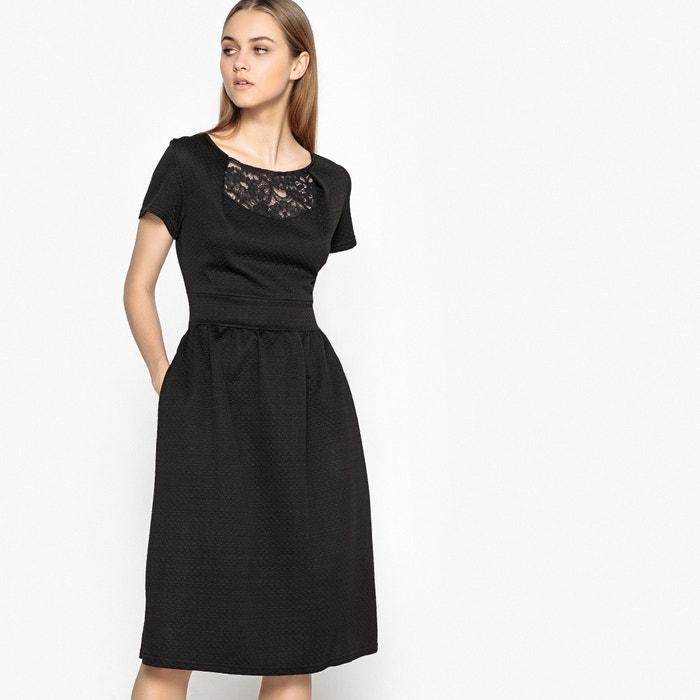 afbeelding Effen jurk, hals voor- en achteraan in kant MADEMOISELLE R