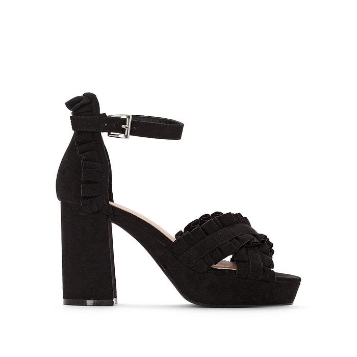 Sandaletten, hoher Absatz, Detail mit Volants