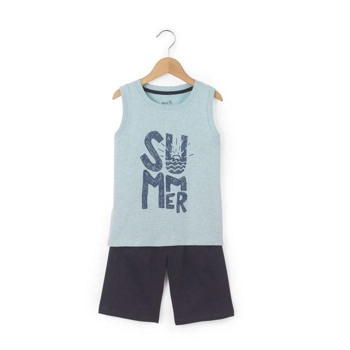 Beach T-Shirt + Shorts Outfit