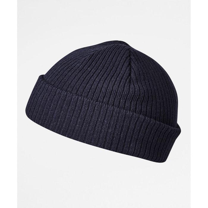 Bonnet style pêcheur en tricot côtelé