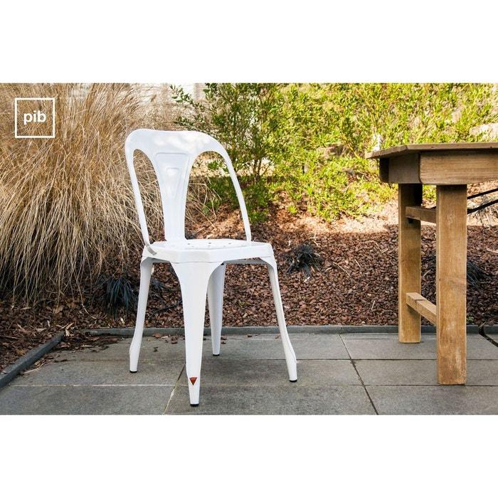 chaise multipl 39 s blanche blanc produit interieur brut la. Black Bedroom Furniture Sets. Home Design Ideas