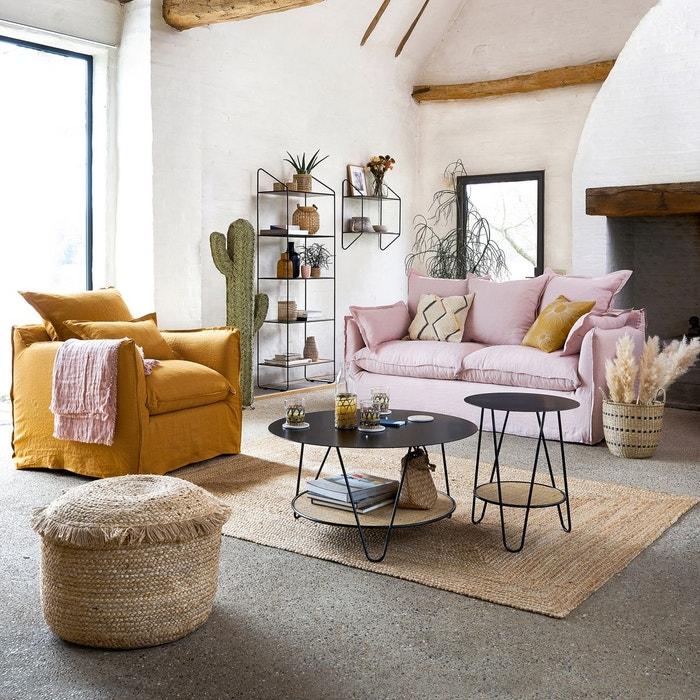 Petit tapis naturel dans un salon coloré
