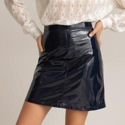 Falda corta en vinilo