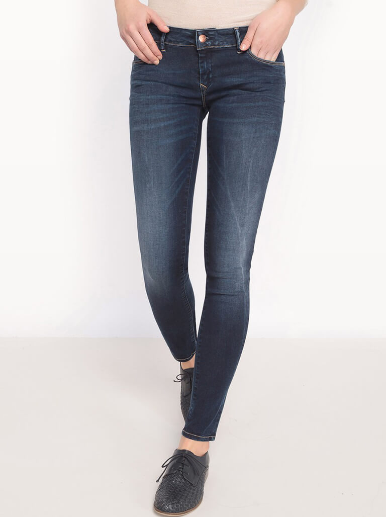 Slim-fit Jeans Image